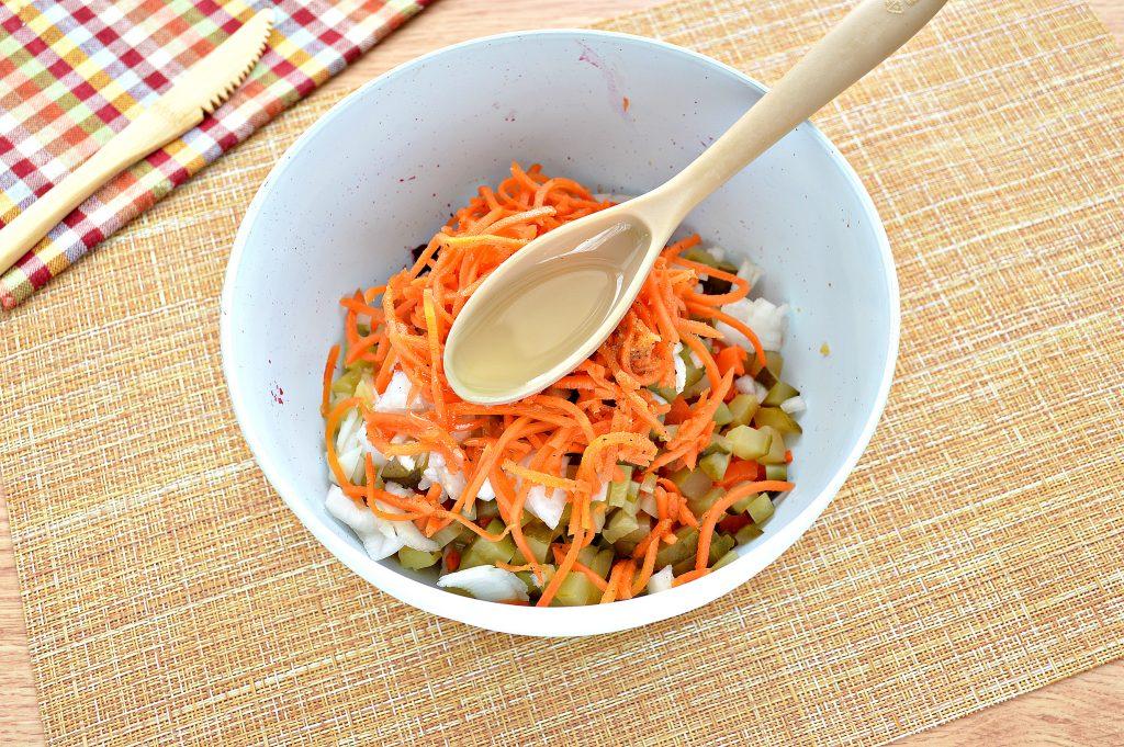 Фото рецепта - Винегрет с морковкой по-корейски - шаг 6