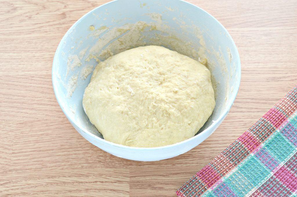 Фото рецепта - Дрожжевое тесто для курника на молоке - шаг 6