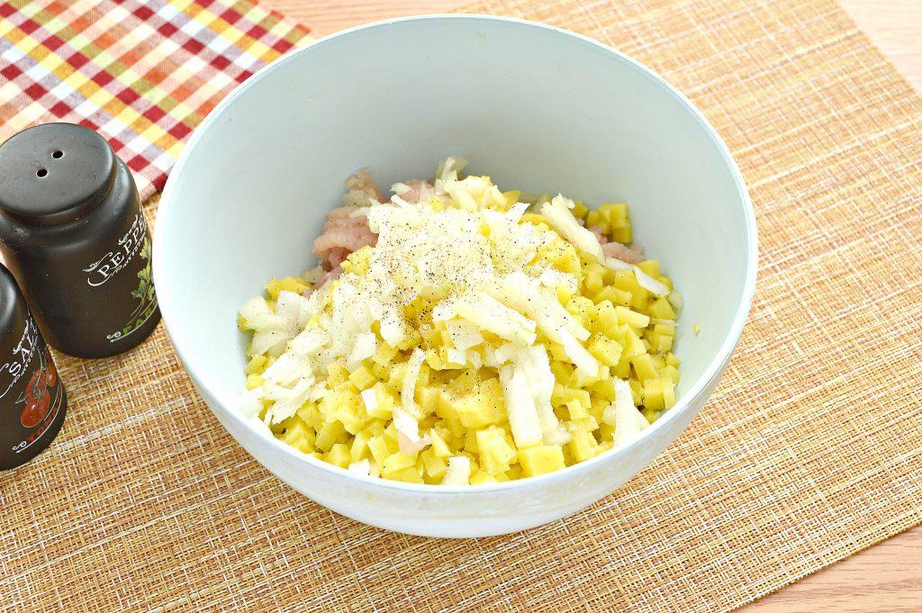 Фото рецепта - Начинка для мантов из курицы и картофеля - шаг 6