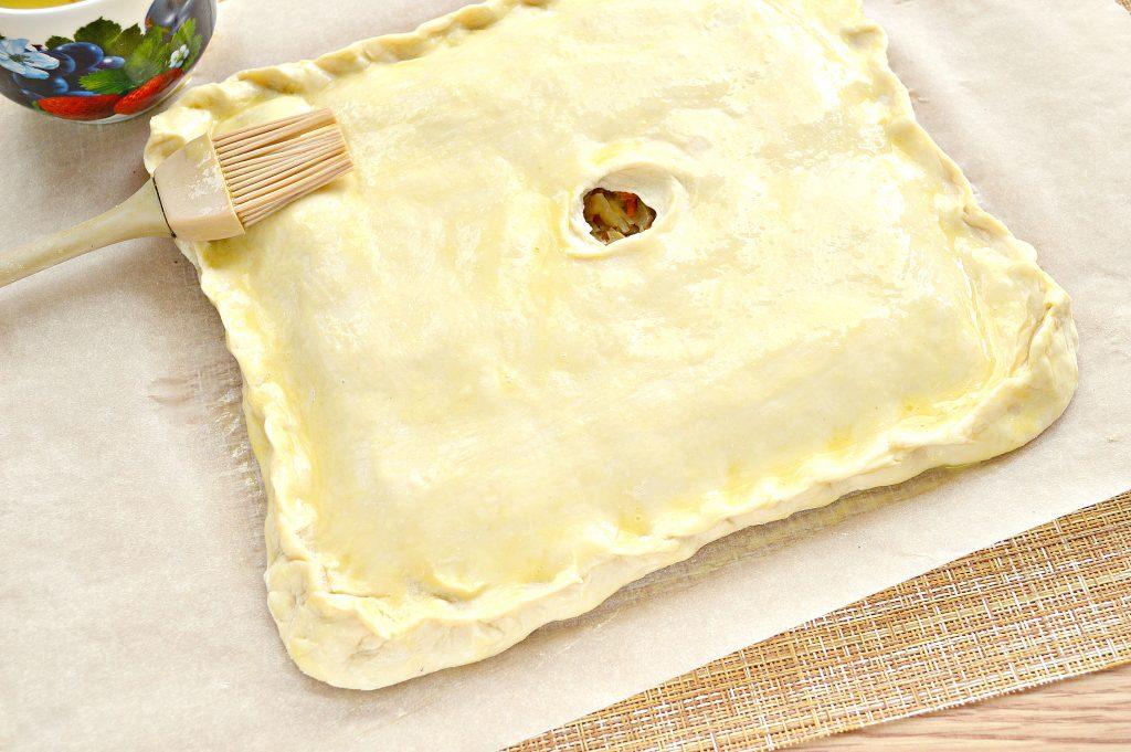 Фото рецепта - Пирог из дрожжевого теста с капустой и яйцом - шаг 6