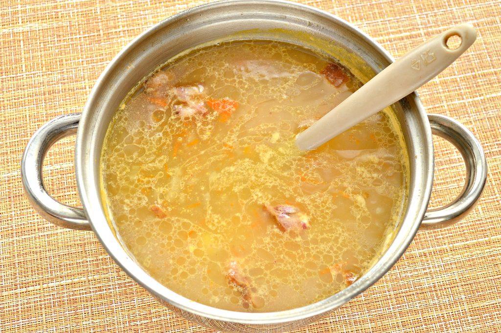 Фото рецепта - Рисовый суп с копченостями - шаг 6