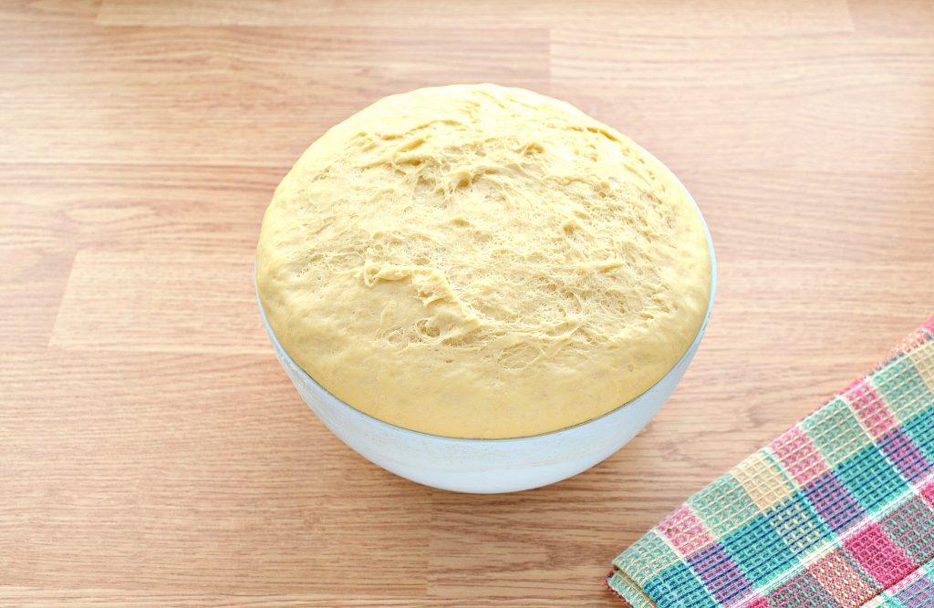 Фото рецепта - Дрожжевое тесто для курника на молоке - шаг 7