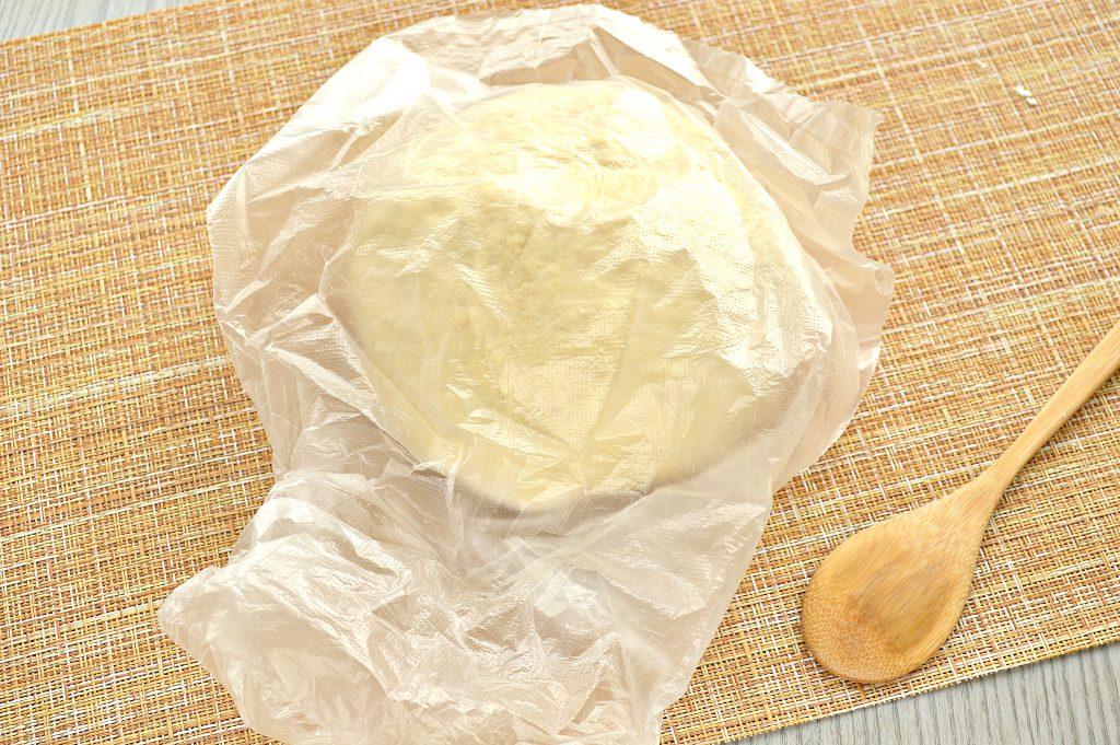 Фото рецепта - Тесто для мантов на молоке с яйцами - шаг 7