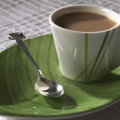 Чай с молоком и пряностями - рецепт с фото