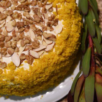 Тыквенный торт с грецкими орехами и сырным кремом - рецепт с фото