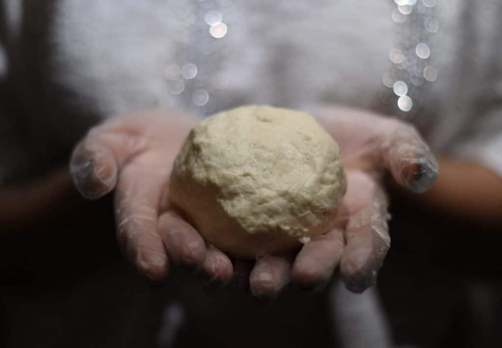 Фото рецепта - Сочни (сочники) из песочного теста с творогом - шаг 2