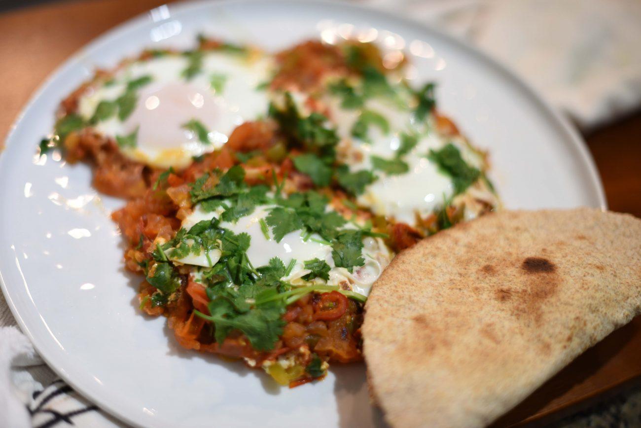 Huevos Rancheros — мексиканский острый завтрак с яичницей