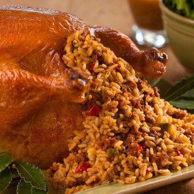 Запеченная курица, фаршированная рисом - рецепт с фото