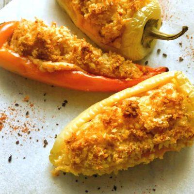 Фаршированный запеченный перец сыром - рецепт с фото