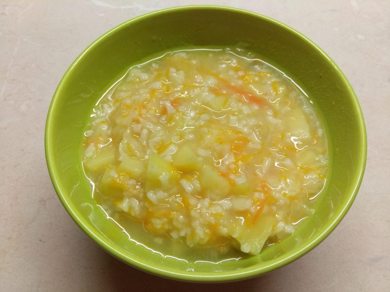 Постный суп с кислой капустой и рисом