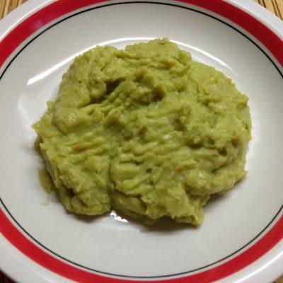 Фото рецепта - Пюре из картофеля и зеленого горошка с чесноком и пармезаном - шаг 7