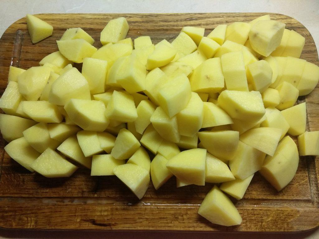 Фото рецепта - Картофель, запеченный в духовке с шампиньонами - шаг 1