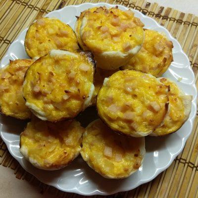 Кексы с ананасом и куриным рулетом - рецепт с фото