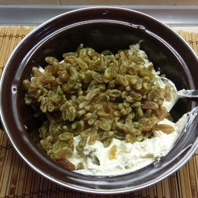 Фото рецепта - Творожник с консервированными ананасами - шаг 3