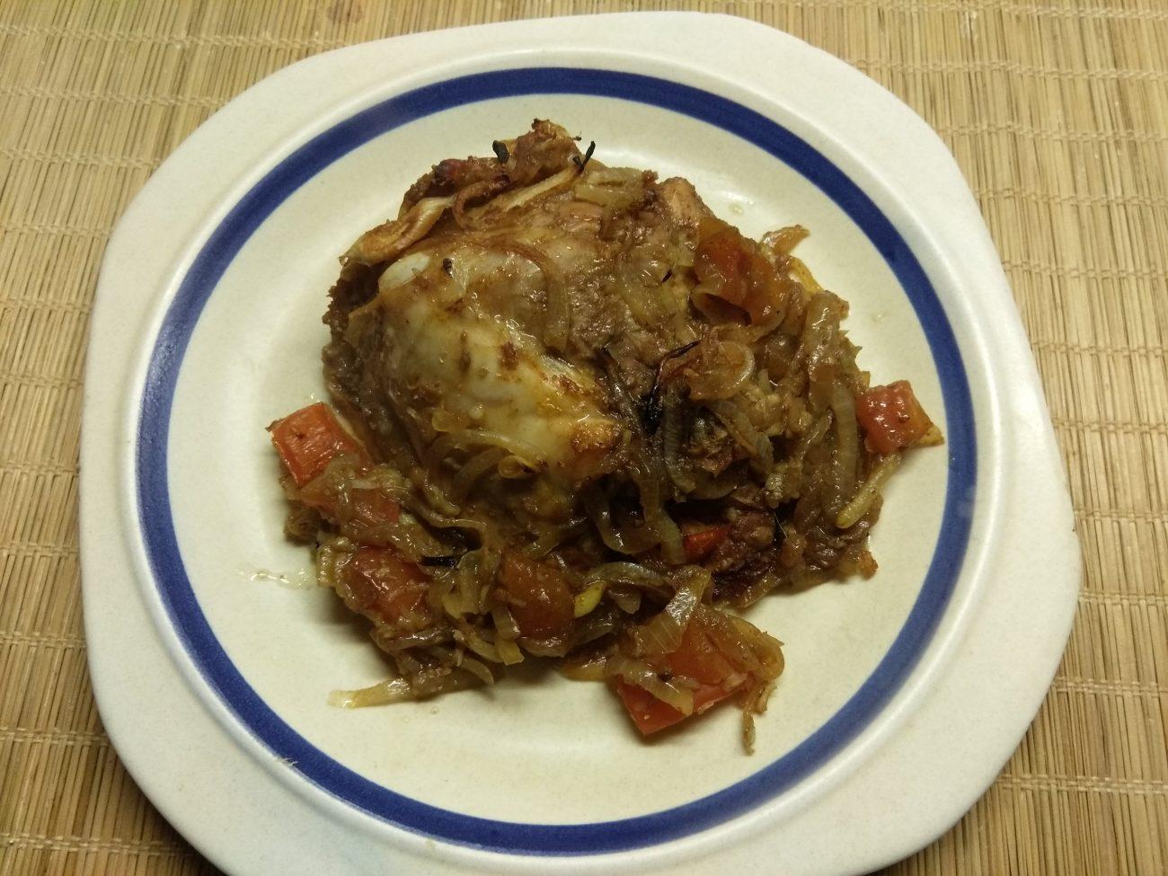 Куриные бедра, запеченные с помидорами в азиатском стиле