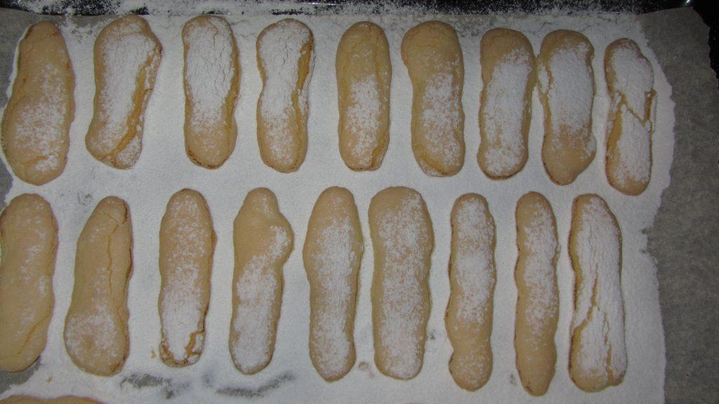 Фото рецепта - Печенье савоярди - шаг 4