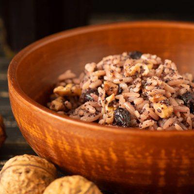 Кутья с орехами и изюмом - рецепт с фото