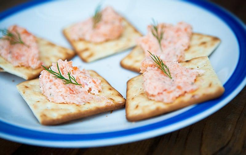 Фото рецепта - Паштет из креветок и красной рыбы - шаг 8
