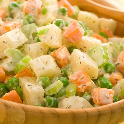 Постный картофельный салат с морковью и горошком - рецепт с фото