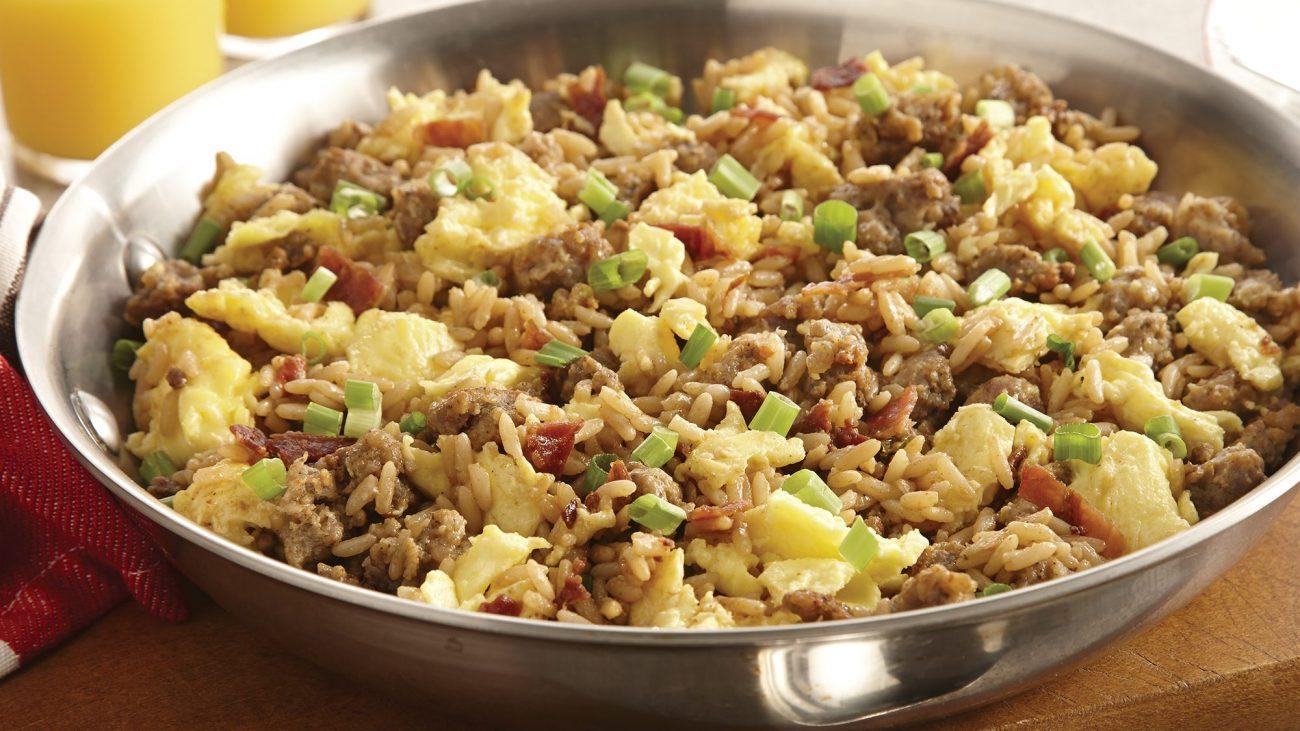 Рис, тушеный с омлетом и свиным фаршем