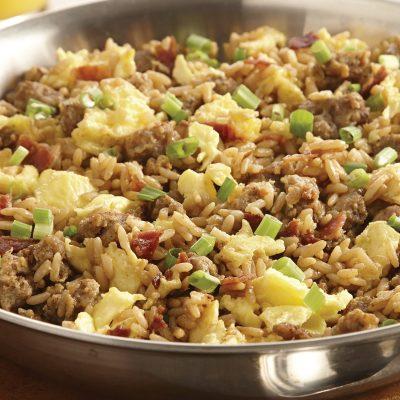 Рис, тушеный с омлетом и свиным фаршем - рецепт с фото