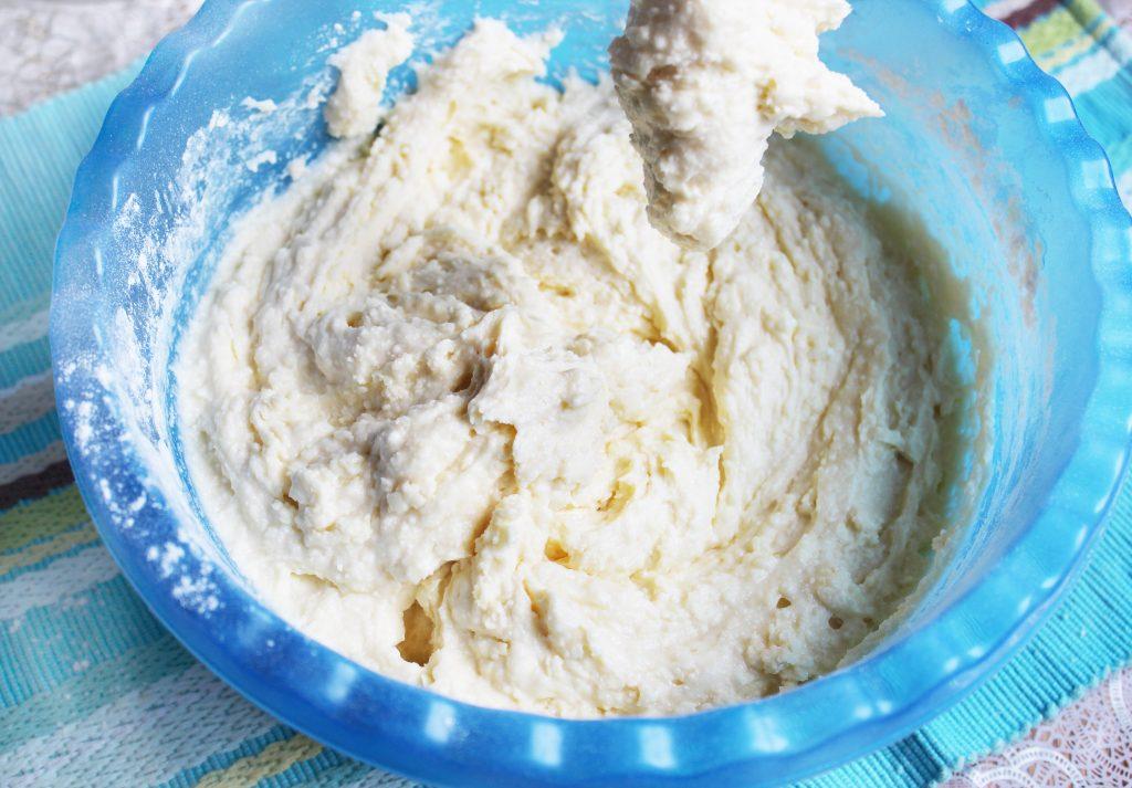 Фото рецепта - Рождественский кекс на твороге с орехами и сухофруктами - шаг 9