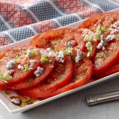 Салат из помидоров - рецепт с фото