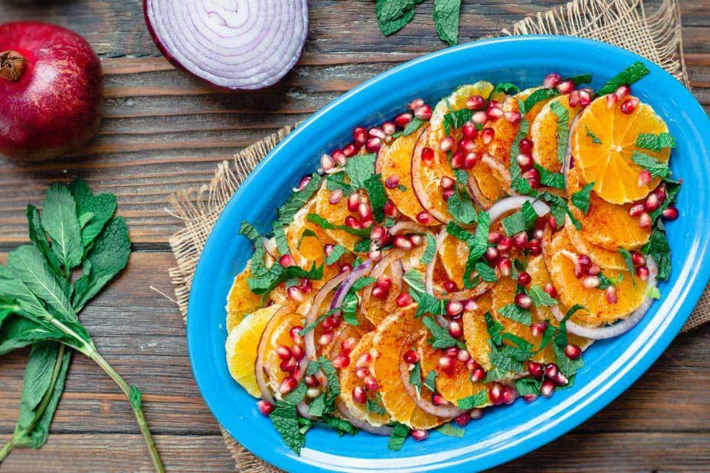 Фото рецепта - Средиземноморский апельсиновый салат - шаг 3