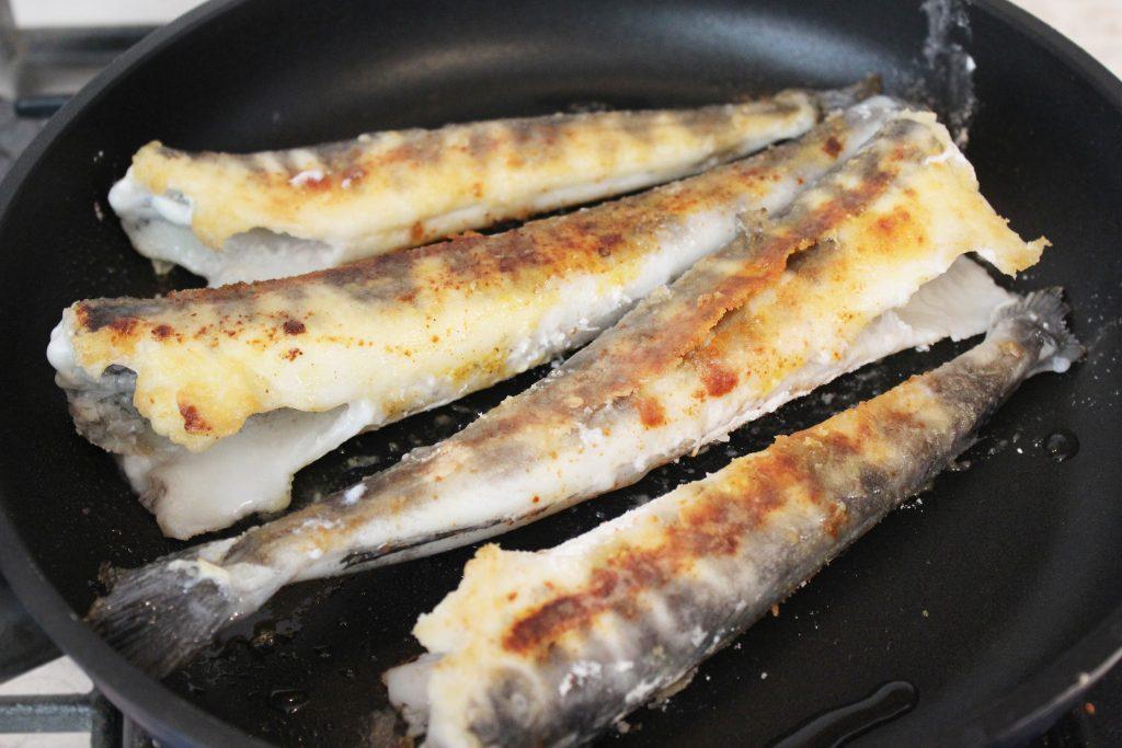 Фото рецепта - Жареная ледяная рыба - шаг 4