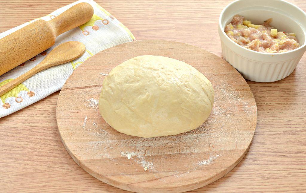 Фото рецепта - Вареники на пару со свининой и картофелем - шаг 1