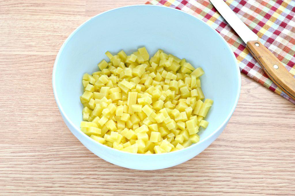 Фото рецепта - Слоеный пирог с картофелем и салом - шаг 1