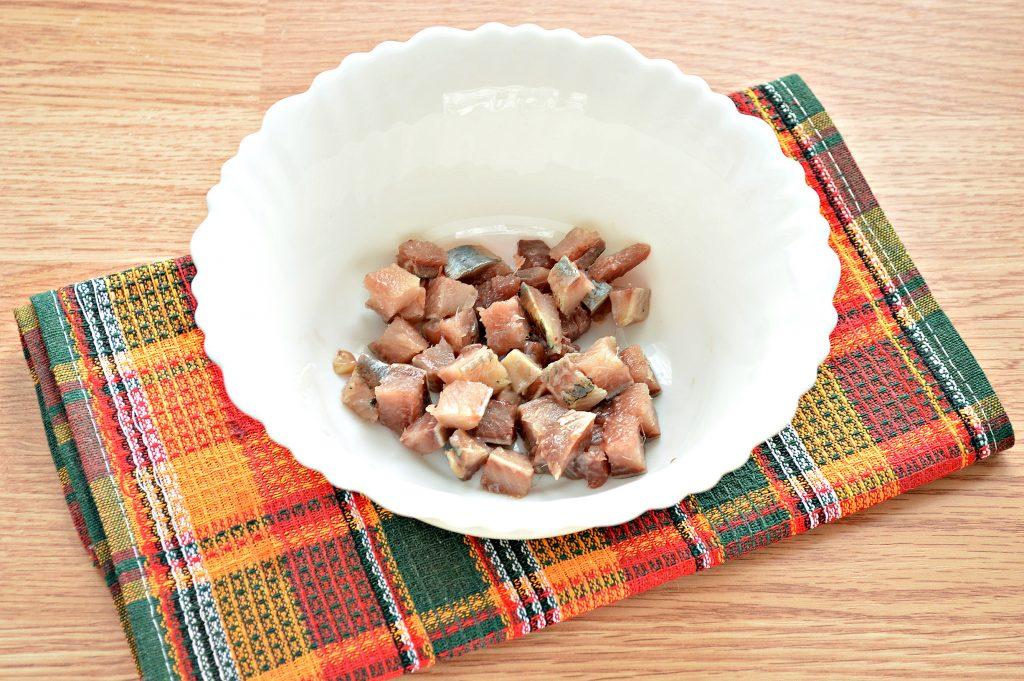 Фото рецепта - Салат из картофеля и сельди - шаг 1