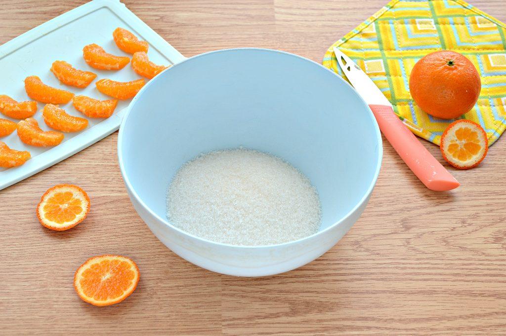 Фото рецепта - Шарлотка с мандаринами - шаг 1
