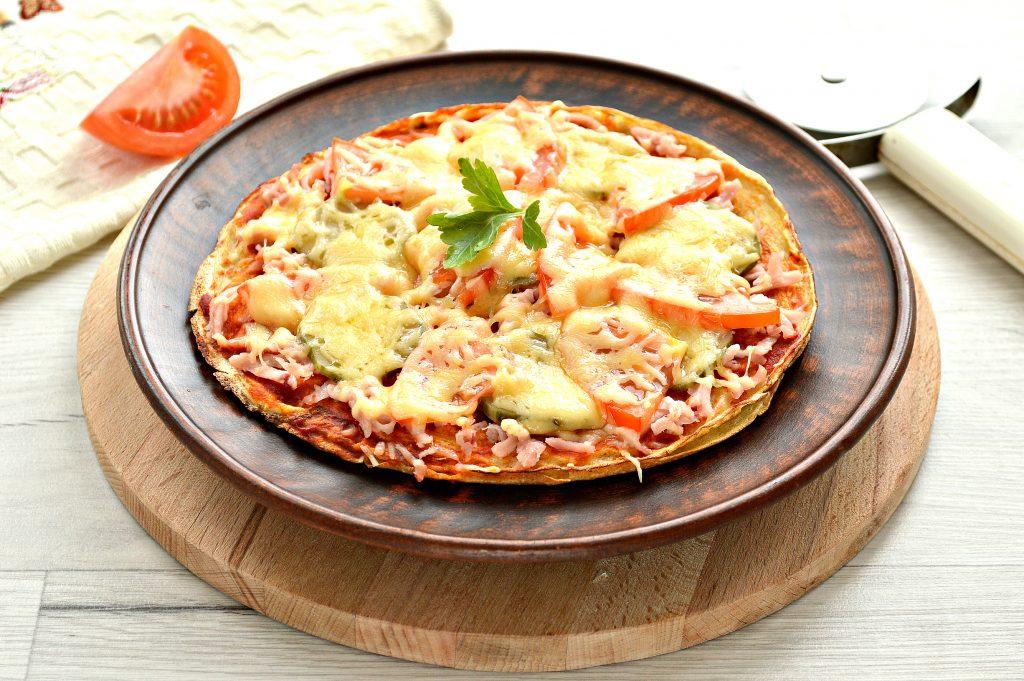 Фото рецепта - Блинная пицца с помидорами и сыром - шаг 9