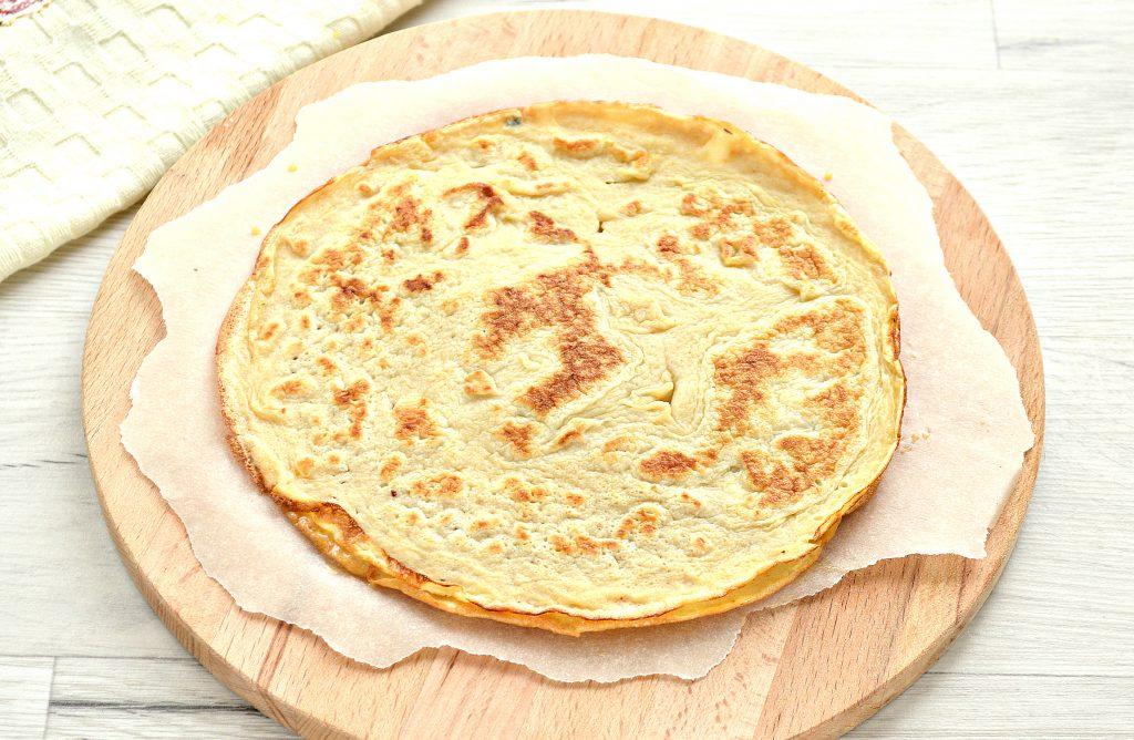 Фото рецепта - Блинная пицца с помидорами и сыром - шаг 2