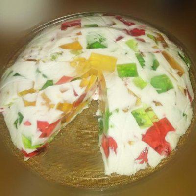 """Желейный торт """"Битое стекло"""" из бисквита - рецепт с фото"""