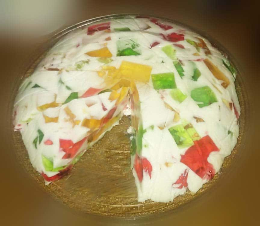 "Желейный торт ""Битое стекло"" из бисквита"