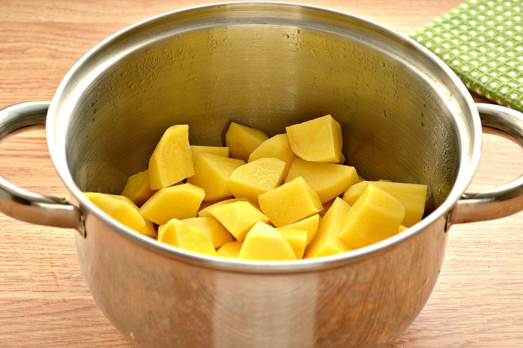 Фото рецепта - Тушеный картофель с салом - шаг 3