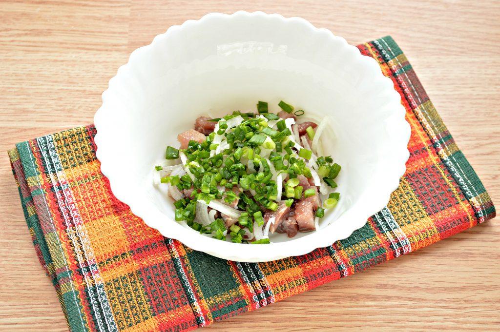 Фото рецепта - Салат из картофеля и сельди - шаг 3