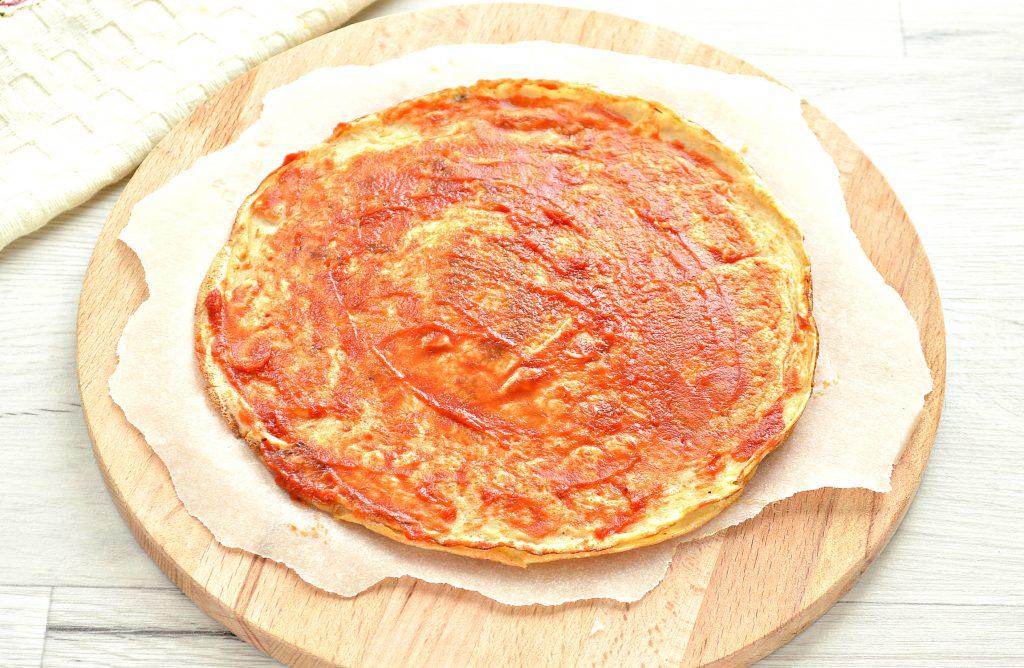 Фото рецепта - Блинная пицца с помидорами и сыром - шаг 3