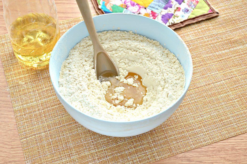 Фото рецепта - Постное заварное тесто для вареников, пельменей, мантов - шаг 4