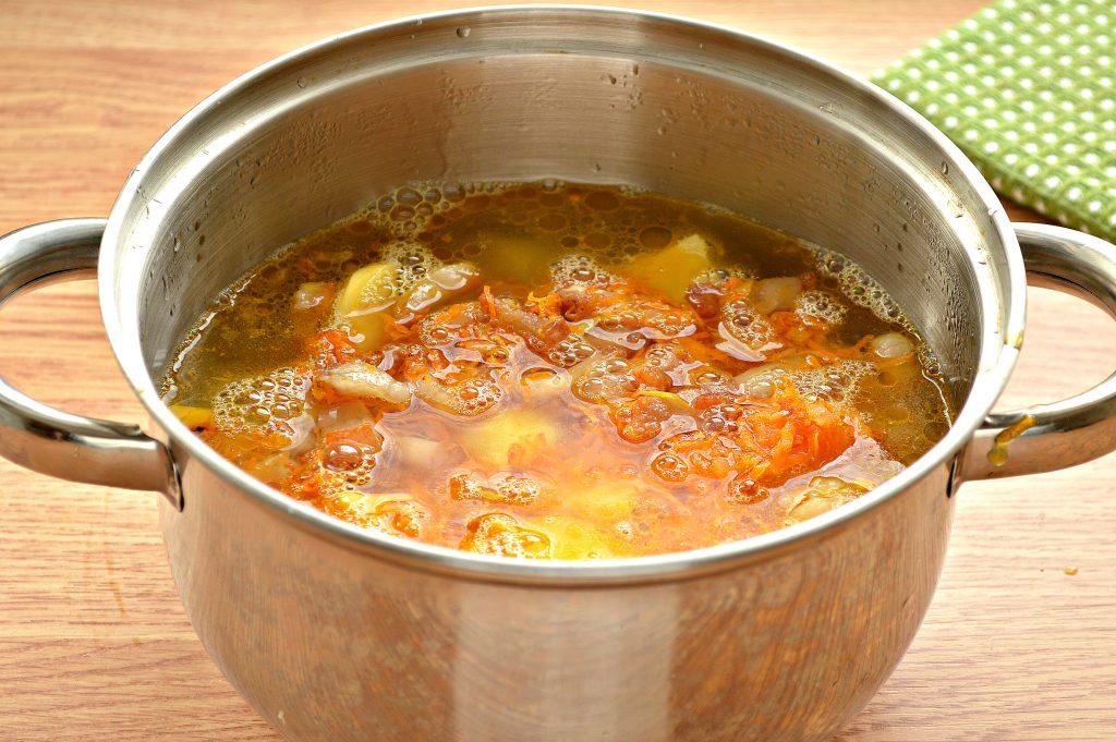Фото рецепта - Тушеный картофель с салом - шаг 5
