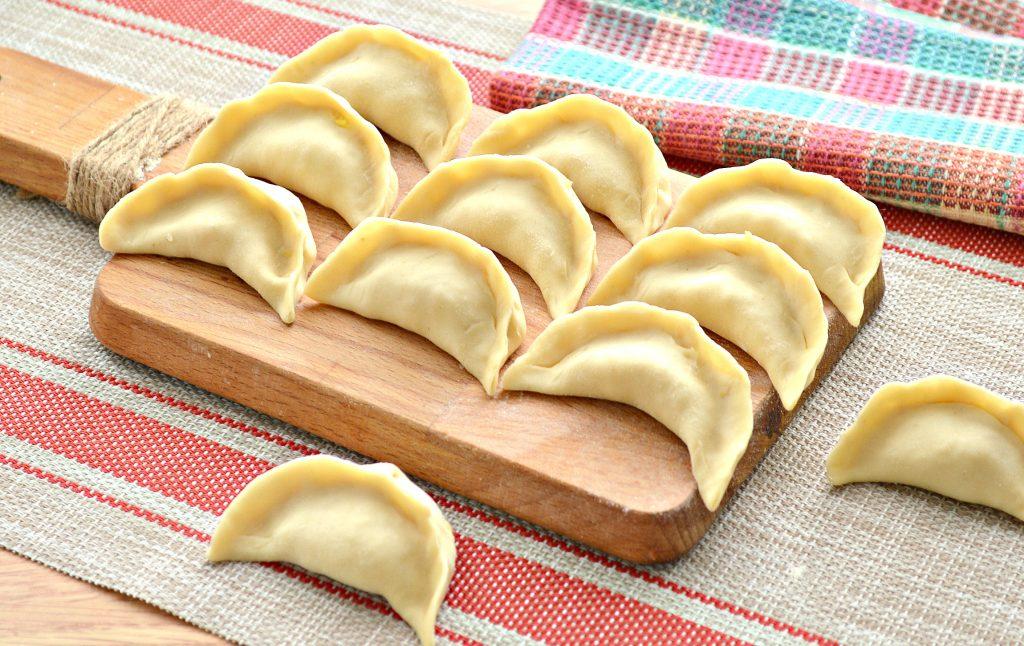Фото рецепта - Вареники с салом и картошкой - шаг 5