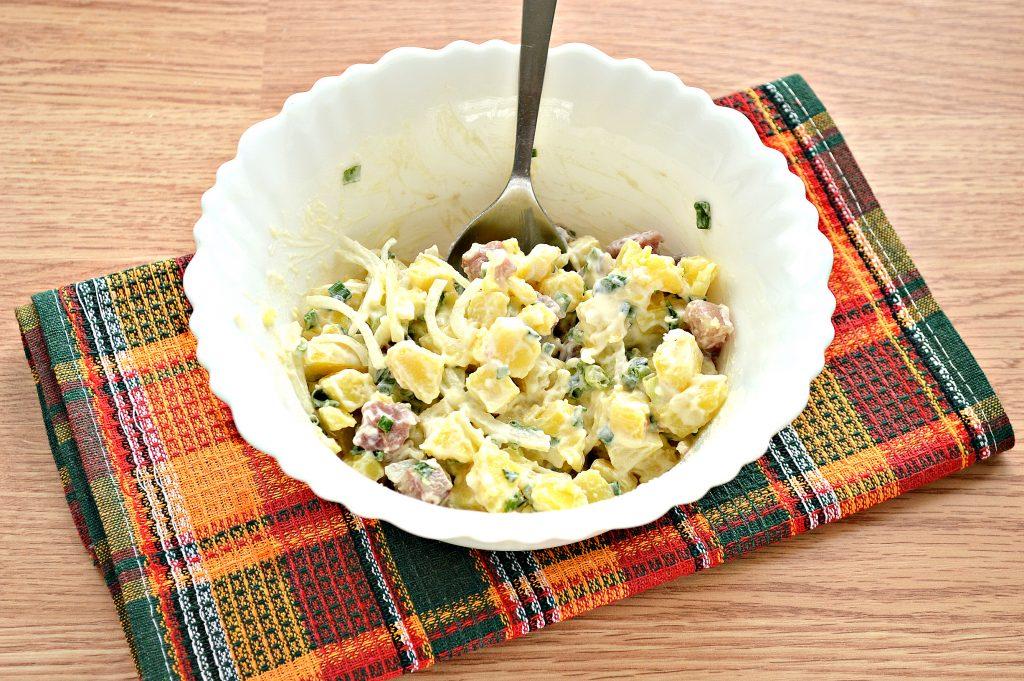 Фото рецепта - Салат из картофеля и сельди - шаг 6