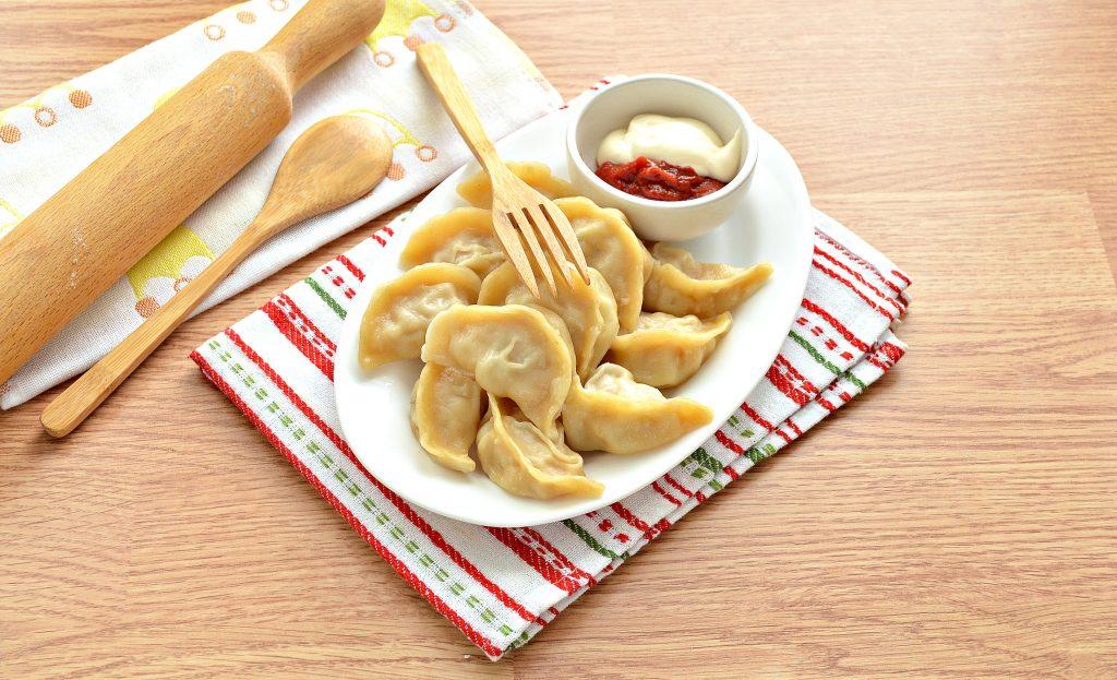 Фото рецепта - Вареники на пару со свининой и картофелем - шаг 7