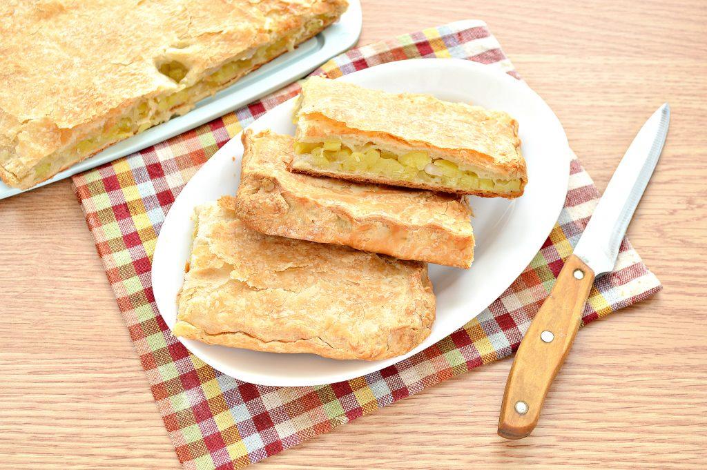 Фото рецепта - Слоеный пирог с картофелем и салом - шаг 7