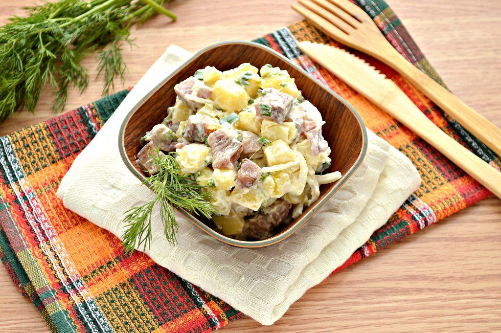 Фото рецепта - Салат из картофеля и сельди - шаг 7