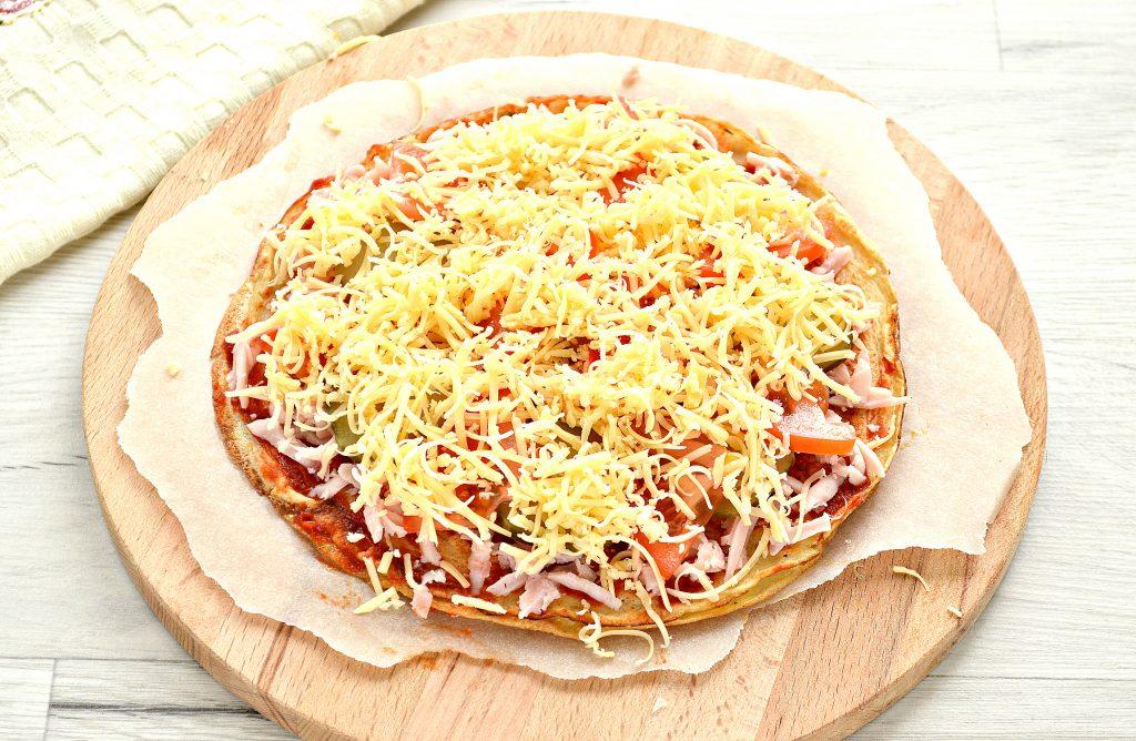 Фото рецепта - Блинная пицца с помидорами и сыром - шаг 7