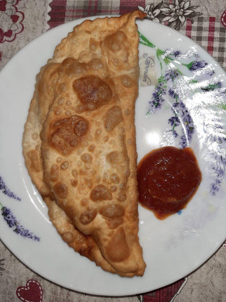 Фото рецепта - Чебуреки с мясом (свинина, говядина) - шаг 6