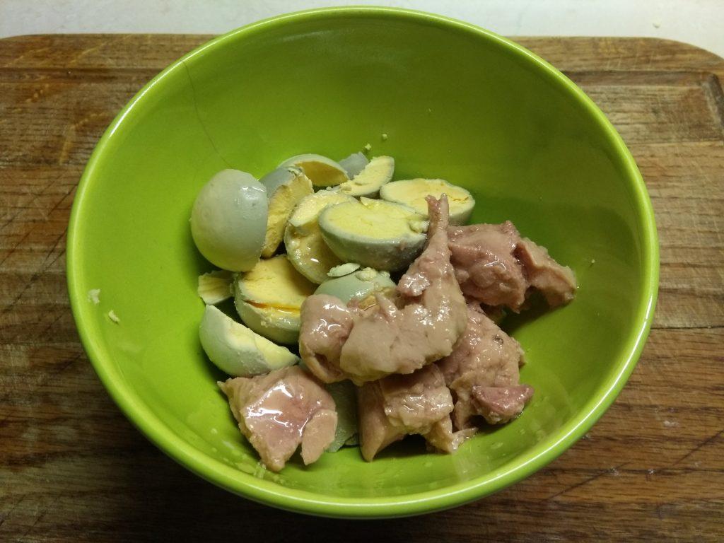 Фото рецепта - Яйца, фаршированные печенью трески - шаг 3